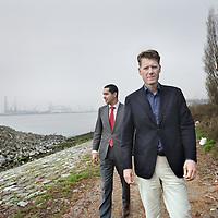 Nederland, Vlaardingen , 4 april 2012..Marcel Heijnsbroek van SMT Shipping en Zouhair Tahir (PwC).Foto:Jean-Pierre Jans