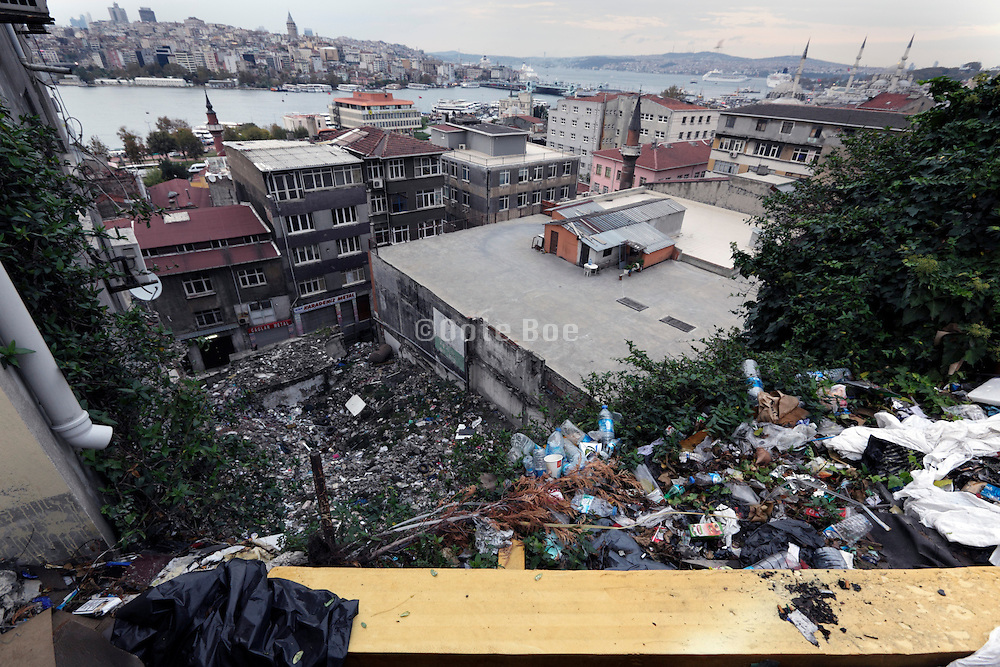 garbage strewn around on hill within the old city of Istanbul Turkey