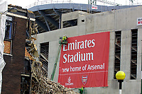 Fotball<br /> Foto: Colorsport/Digitalsport<br /> NORWAY ONLY<br /> <br /> An Emirates sign is put in place on the first side of the New Arsenal Stadium -  Ashburton Grove