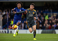 Football - 2018 / 2019 Premier League - Chelsea vs. Leicester City<br /> <br /> Willian (Chelsea FC)  and Ben Chilwell (Leicester City) run for the loose ball at Stamford Bridge <br /> <br /> COLORSPORT/DANIEL BEARHAM