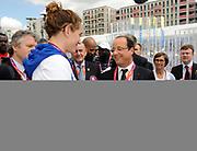 DESCRIZIONE : France Basketball Jeux Olympiques Londres <br /> GIOCATORE : Francois Hollande Muffat Camille<br /> SQUADRA : France <br /> EVENTO : FRANCE Jeux Olympiques<br /> GARA : <br /> DATA : 30 07 2012<br /> CATEGORIA :Jeux Olympiques<br /> SPORT : NATATION<br /> AUTORE : JF Molliere <br /> Galleria : France JEUX OLYMPIQUES 2012 Magazine<br /> Fotonotizia : France Natation Jeux Olympiques Londres Village Olympique<br /> Predefinita :
