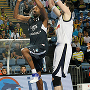 Efes Pilsen's Bootsy THORNTON (L) during their Turkish Basketball Legague Play-Off semi final first match Fenerbahce between Efes Pilsen at the Sinan Erdem Arena in Istanbul Turkey on Tuesday 24 May 2011. Photo by TURKPIX