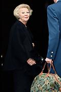 Uitreiking Prins Claus Prijs 2016 in het Koninklijk Paleis in Amsterdam.<br /> <br /> Op de foto:  prinses Beatrix