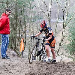 09-01-2016: Wielrennen: NK Veldrijden: Hellendoorn<br />HELLENDOORN (NED) veldrijden<br />Op de flanken van de Sallandse Heuvelrug streden de veldrijders om de Nederlandse titel.  <br />Een vijftiende plek op het NK veldrijden voor Lorena Peterman (Lemselo)