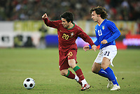 Fotball<br /> Foto: DPPI/Digitalsport<br /> NORWAY ONLY<br /> <br /> FOOTBALL - FRIENDLY GAME 2007/2008 - ITALY v PORTUGAL - 06/02/2008 - DECO (POR) / ANDREA PIRLO (ITA)<br /> <br /> Italia v Portugal