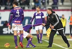 14.02.2016, Generali Arena, Wien, AUT, 1. FBL, FK Austria Wien vs SK Rapid Wien, 22. Runde, im Bild Vanche Shikov (FK Austria Wien), Fabian Koch (FK Austria Wien) und Zoran Barisic (SK Rapid Wien) // during Austrian Football Bundesliga Match, 22nd Round, between FK Austria Vienna and SK Rapid Vienna at the Generali Arena, Vienna, Austria on 2016/02/14. EXPA Pictures © 2016, PhotoCredit: EXPA/ Thomas Haumer