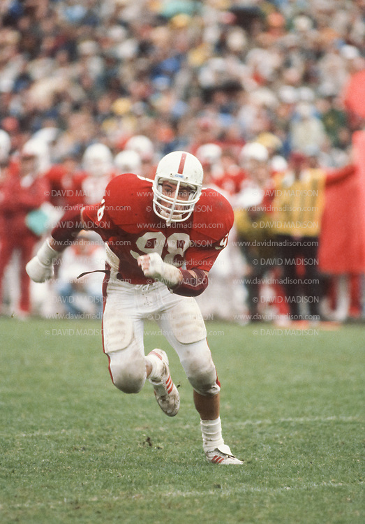 COLLEGE FOOTBALL:  Stanford vs Cal on November 21, 1981 at Stanford Stadium in Palo Alto, California.  Jay Summers #98.  Photograph by David Madison (www.davidmadison.com).