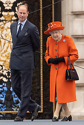 © Licensed to London News Pictures. 07/10/2021. London, UK. The Earl of Wessex and Queen Elizabeth II take part in the Queens Baton Relay event held at Buckingham Palace for Birmingham 2022 Commonwealth Games. Photo Credit: London News Pictures