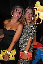 Thais Mallmann e Thaís Viera na festa de inauguração do Viva Open Mall. FOTO: Dani Barcellos/ Agência Preview