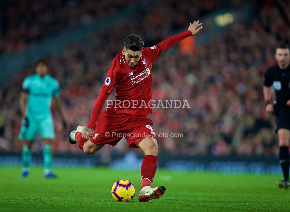 LIVERPOOL, ENGLAND - Saturday, December 29, 2018: Liverpool's Roberto Firmino during the FA Premier League match between Liverpool FC and Arsenal FC at Anfield. (Pic by David Rawcliffe/Propaganda)