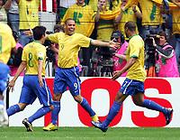 Jubel 1:0 v.l. Kaka, Torschuetze Ronaldo, Adriano Brasilien<br /> Fussball WM 2006 Achtelfinale Brasilien - Ghana<br /> Brasil - Ghana<br /> Norway only