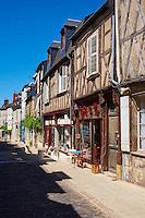 France, Cher (18), Bourges, centre historique, maisons à pans de bois, rue bourbonnoux // France, Cher (18), Bourges, center, half timbered houses, rue bourbonnoux