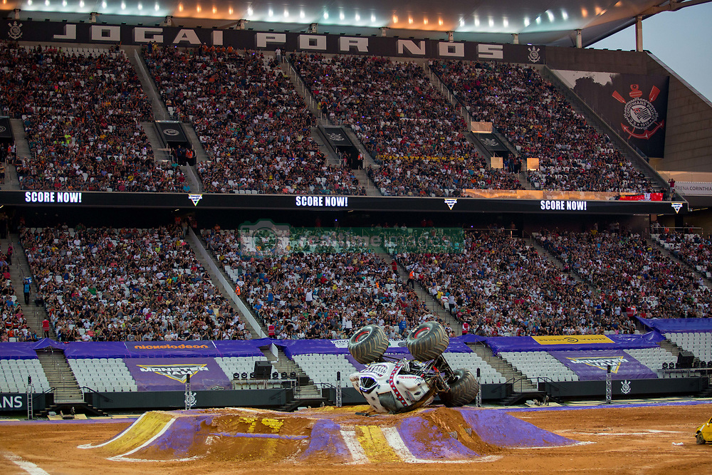 December 16, 2017 - Sao Paulo, Sao Paulo, Brazil - Monster Muut rests upside down after its crash during a round of racing. Monster Jam was held at Corinthians Stadium, in Sao Paulo, Brazil. (Credit Image: © Paulo Lopes via ZUMA Wire)