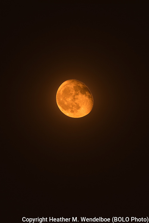 """""""Wildfire Smoke Moon""""<br /> Waning Gibbous<br /> 04 Oct 20<br /> Cheyenne, Wyoming"""