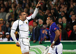 © Andrew Fosker / Seconds Left Images 2011 - South Africa's Bryan Habana celebrates his first try as Kahn Fotuali'i walks back (R) South Africa v Samoa - Rugby World Cup 2011 - North Harbour Stadium - Auckland - New Zealand - 30/09/2011 -  All rights reserved..