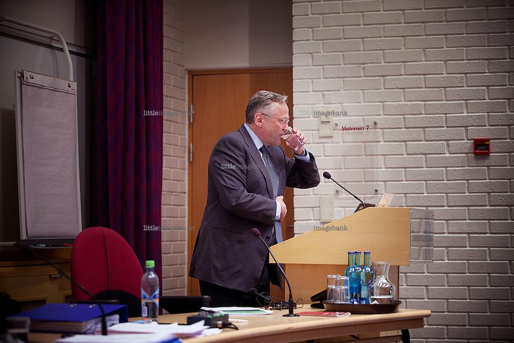 Head of the Norwegian bank Svein Gjedrem adresses the  the board of the Norwegian Fellesforbundet at Thorbjørnrud Hotel at Jevnaker. Photo: Christopher Olssøn, 17.11.2009.