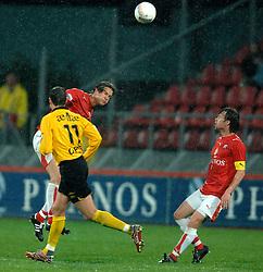 09-05-2007 VOETBAL: PLAY OFF: UTRECHT - RODA: UTRECHT<br /> In de play-off-confrontatie tussen FC Utrecht en Roda JC om een plek in de UEFA Cup is nog niets beslist. De eerste wedstrijd tussen beide in Utrecht eindigde in 0-0 / Alje Schut en Gregoor van Dijk<br /> ©2007-WWW.FOTOHOOGENDOORN.NL