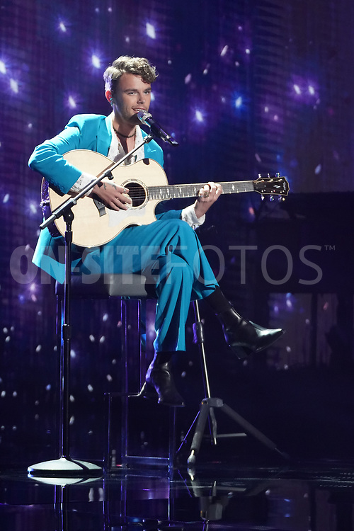 """AMERICAN IDOL – """"414 (Oscar Nominated Songs)"""" – The top 12 contestants perform Oscar®-nominated songs in hopes of securing America's vote into the top nine on an all-new episode of """"American Idol,"""" airing live coast-to-coast on SUNDAY, APRIL 18 (8:00-10:00 p.m. EDT), on ABC. (ABC/Eric McCandless)<br /> BEANE"""