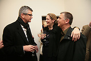 Jay Jopling, Philomena Magers and Andreas Gursky, Andreas Gursky.Spruth Magers Gallery. Grafton St. London. 22 March 2007.   -DO NOT ARCHIVE-© Copyright Photograph by Dafydd Jones. 248 Clapham Rd. London SW9 0PZ. Tel 0207 820 0771. www.dafjones.com.