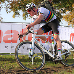 07-11-2020: Wielrennen: EK Veldrijden: Rosmalen<br /> Ryan Kamp U23 world champion takes the European cyclocross title in Rosmal