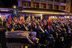 05.06.2015, Garmisch Partenkirchen, GER, G7 Gipfeltreffen auf Schloss Elmau, im Bild Abends gegen 22 Uhr starten kurdische Teilnehmer des Protestcamps in Elmau eine Spontandemonstration // during Protest of the G7 opponents prior to the scheduled G7 summit which will be held from 7th to 8th June 2015 in Schloss Elmau near Garmisch Partenkirchen, Germany on 2015/06/05. EXPA Pictures © 2015, PhotoCredit: EXPA/ Eibner-Pressefoto/ Gehrling<br /> <br /> *****ATTENTION - OUT of GER*****