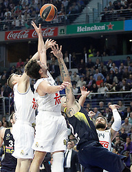 03.12.2015, Palacio de los Deportes, Madrid, ESP, FIBA, EL, Real Madrid vs Fenerbahce Ulker Istanbul, Halbfinale, im Bild Real Madrid's Jaycee Carroll (l), Sergio Llull (2l) and Jeffery Taylor (r) and Fenerbahce Istambul's Pero Antic // during thesemifinall Match of the Turkish Airlines Basketball Euroleague between Real Madrid and Fenerbahce Ulker Istanbul at the Palacio de los Deportes in Madrid, Spain on 2015/12/03. EXPA Pictures © 2015, PhotoCredit: EXPA/ Alterphotos/ Acero<br /> <br /> *****ATTENTION - OUT of ESP, SUI*****