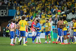 Equipe do Brasil cumprimenta equipa da Croácia na estréia da Copa do Mundo 2014, na Arena Corinthians, em São Paulo. FOTO: Jefferson Bernardes/ Agência Preview