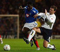 Fotball<br /> Foto: SBI/Digitalsport<br /> NORWAY ONLY<br /> <br /> 26/10/2004 <br /> <br /> Portsmouth v Leeds United<br /> <br /> Carling Cup Third round. 26/10/2004.<br /> <br /> Portsmouth's Valery Mezague and Leeds' Sean Gregan battle for possion