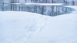 THEMENBILD - gefrorene und offene Wasserfläche mit Schnee bedeckt, aufgenommen am 3. Februar 2018 in Kaprun, Österreich // frozen and open water surface covered with snow in Kaprun, Austria on 2018/02/03. EXPA Pictures © 2018, PhotoCredit: EXPA/ JFK