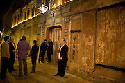 Discover Wilton's Music Hall, Fundraising event. Graces alley, Ensign St. London. 5 December 2007. -DO NOT ARCHIVE-© Copyright Photograph by Dafydd Jones. 248 Clapham Rd. London SW9 0PZ. Tel 0207 820 0771. www.dafjones.com.
