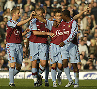 Fotball<br /> Premier League England 2004/2005<br /> Foto: SBI/Digitalsport<br /> NORWAY ONLY<br /> <br /> 30.10.2004<br /> Everton v Aston Villa.<br /> <br /> Villa's first goal scorer Lee Hendrie celebrates with team mates