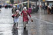Nederland, Nijmegen, 26-8-2012Gebroeders van Limburg festival is grotendeels verregend.In de late Middeleeuwen was Nijmegen met de Valkhofburcht de belangrijkste stad in hertogdom Gelre. De drie rond 1380 in Nijmegen geboren gebroeders van Limburg waren beroemde tekenaars en kopiisten die vooral aan het franse hof furore maakten. Met het Gebroeders van Limburg festival eert de stad hen. Foto: Flip Franssen/Hollandse Hoogte