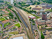 Nederland, Overijssel, Gemeente Almelo; 21–06-2020; Overzicht NS Station Almelo, Stationsplein met omgeving.<br /> Overview NS Station Almelo, Stationsplein with surroundings.<br /> <br /> luchtfoto (toeslag op standaard tarieven);<br /> aerial photo (additional fee required)<br /> copyright © 2020 foto/photo Siebe Swart
