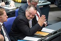 08 NOV 2018, BERLIN/GERMANY:<br /> Prof. Dr. Matthias Zimmer, MdB, CDU, Bundestagsdebatte zum Gesetzentwurf der Bundesregierung ueber Leistungsverbesserungen und Stabilisierung in der gesetzlichen Rentenversicherung, Plenum, Deutscher Bundestag<br /> IMAGE: 20181108-01-030<br /> KEYWORDS: Sitzung