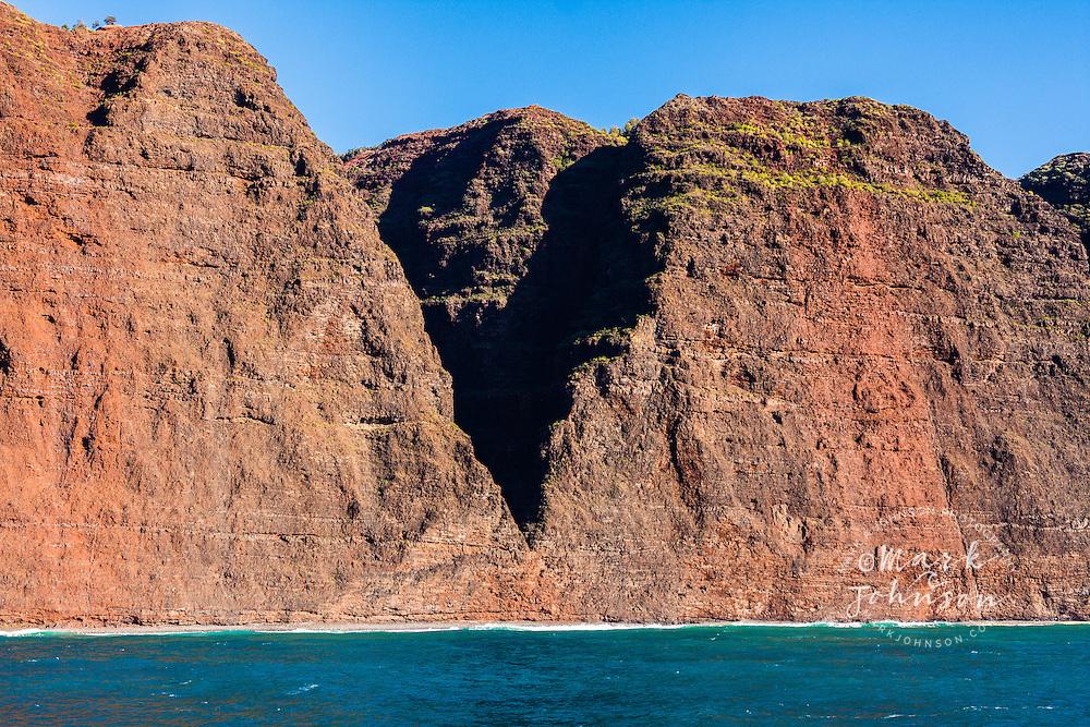 Vertical seacliffs of the Na Pali Coast, Kauai, Hawaii