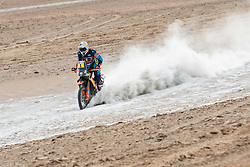 Matthias Walkner (AUT) of Red Bull KTM Factory Team races during stage 04 of Rally Dakar 2019 from Arequipa to o Tacna, Peru on January 10, 2019 // Marcelo Maragni/Red Bull Content Pool // AP-1Y39ENBWH1W11 // Usage for editorial use only // Please go to www.redbullcontentpool.com for further information. //