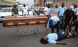South Africa Durban - 14  September 2020 -  Undertakers protesting outside government mortuary at Gale street in Durban during a national strike of the funeral parlour.<br /> PICTURE :Bongani Mbatha /African News Agency (ANA)