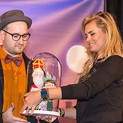 NLD/Amsterdam/20191111 - Presentatie sinterklaasboeken met Rafael v/d Vaart, Nicolette van Dam en Wendy van Dijk, Robert Scheffner en Nicolette van Dam