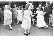 childrens party 1985© Copyright Photograph by Dafydd Jones 66 Stockwell Park Rd. London SW9 0DA Tel 020 7733 0108 www.dafjones.com