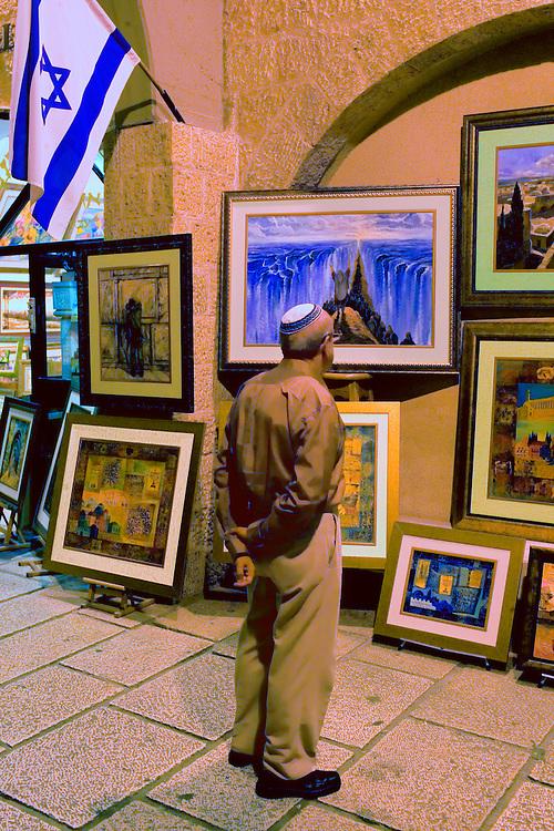 ISRAEL/October 2005/Jerusalem.<br /> Jewish market at The Cardo in Old City.<br /> <br /> © Joan Costa/Anzenberger<br /> © Joan Costa/Anzenberger