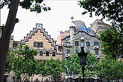 Spanje, Barcelona, 27-5-2007..Twee huizen aan de Passeig de Gracia naar een ontwerp van Antonio Gaudi...Foto: Flip Franssen