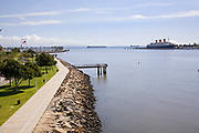 Shoreline Aquatic Park, Long Beach Harbor, Queen Mary, Los Angeles County, California, USA