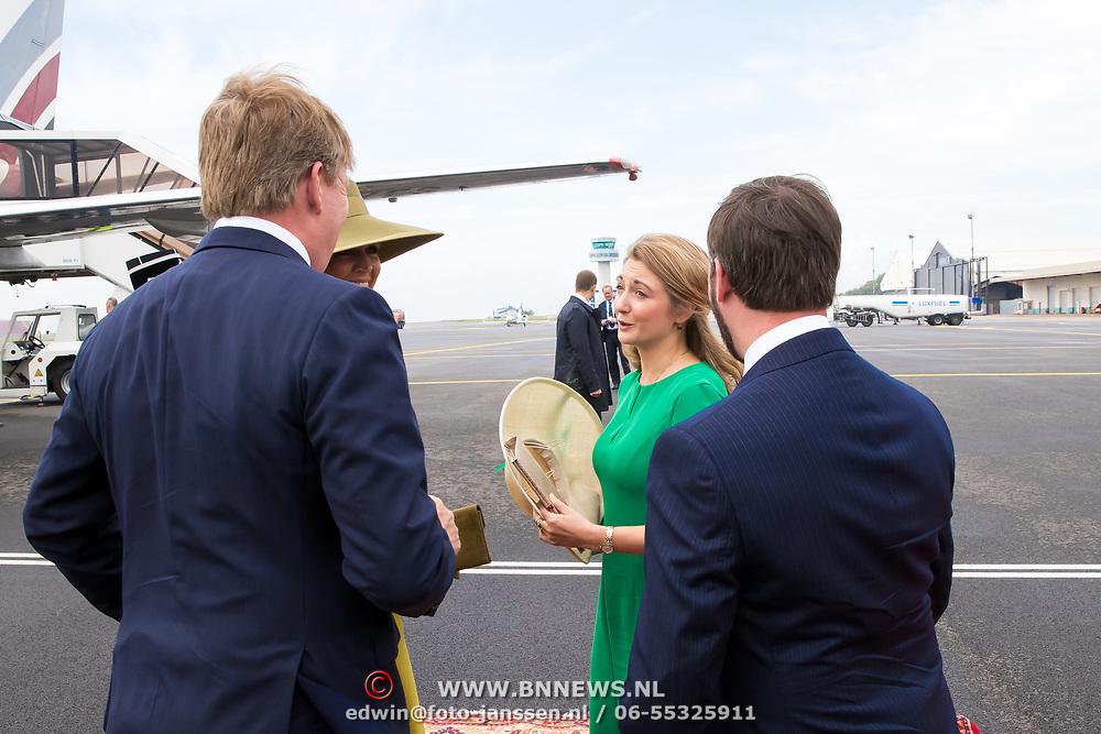 LUX/Luxembug/20180523 - Staatbezoek Luxemburg 2018 dag 1, begroeting Willem-Alexander en Maxima door Erfgroothertog Guilaime en Erfgroothertogin Stephanie