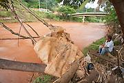 Sabara_MG, Brasil...Poluicao no Rio das Velhas em Sabara...The pollution in the Rio das Velhas in Sabara. ..Foto: LEO DRUMOND / NITRO