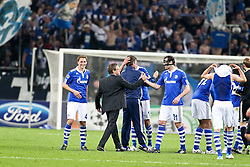 13.04.2011, Veltins Arena, Gelsenkirchen, GER, UEFA CL Viertelfinale, Rueckspiel, FC Schalke 04 (GER) vs Inter Mailand (ITA), im Bild: Ralf Rangnick (Trainer Schalke 04) bedankt sich bei Christoph Metzelder (Schalke #21). Benedikt Hoewedes (Schalke #4) (L) lacht  EXPA Pictures © 2011, PhotoCredit: EXPA/ nph/  Mueller       ****** out of GER / SWE / CRO  / BEL ******