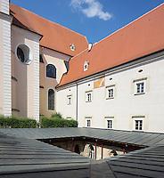 Sonnenuhren im Schoepfungsgarten des Stifts Altenburg, Niederoesterreich.