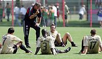 Fotball<br /> Tyskland 2004/05<br /> Trening Bayern München<br /> 21 juli 2004<br /> Foto: Digitalsport<br /> NORWAY ONLY<br /> Trener Felix Magath, Sammy Kuffour, Jens Jeremies, Sebastian Deisler