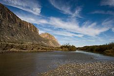 Santa Elena River Road