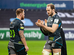 Alun Wyn Jones of Ospreys applauds the fans after the match<br /> <br /> Photographer Simon King/Replay Images<br /> <br /> European Rugby Champions Cup Round 5 - Ospreys v Saracens - Saturday 11th January 2020 - Liberty Stadium - Swansea<br /> <br /> World Copyright © Replay Images . All rights reserved. info@replayimages.co.uk - http://replayimages.co.uk