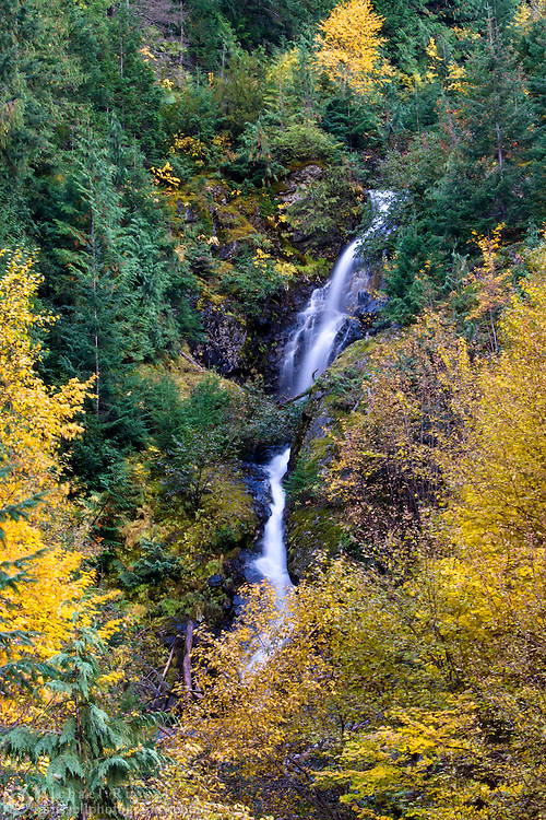 Fall foliage colors and Berry Creek Falls in North Cascades National Park, Washington State, USA